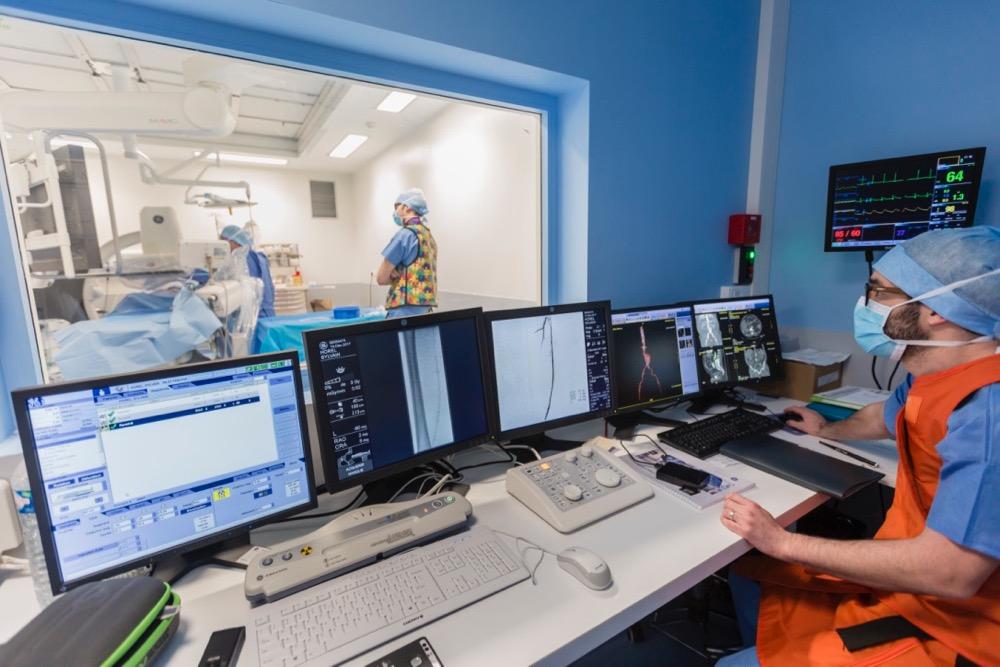 Découvrez la nouvelle salle d'opération hybride de Saint-Martin, une première en Normandie Occidentale